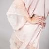 zmysłowy różowy szlafrok z koronką